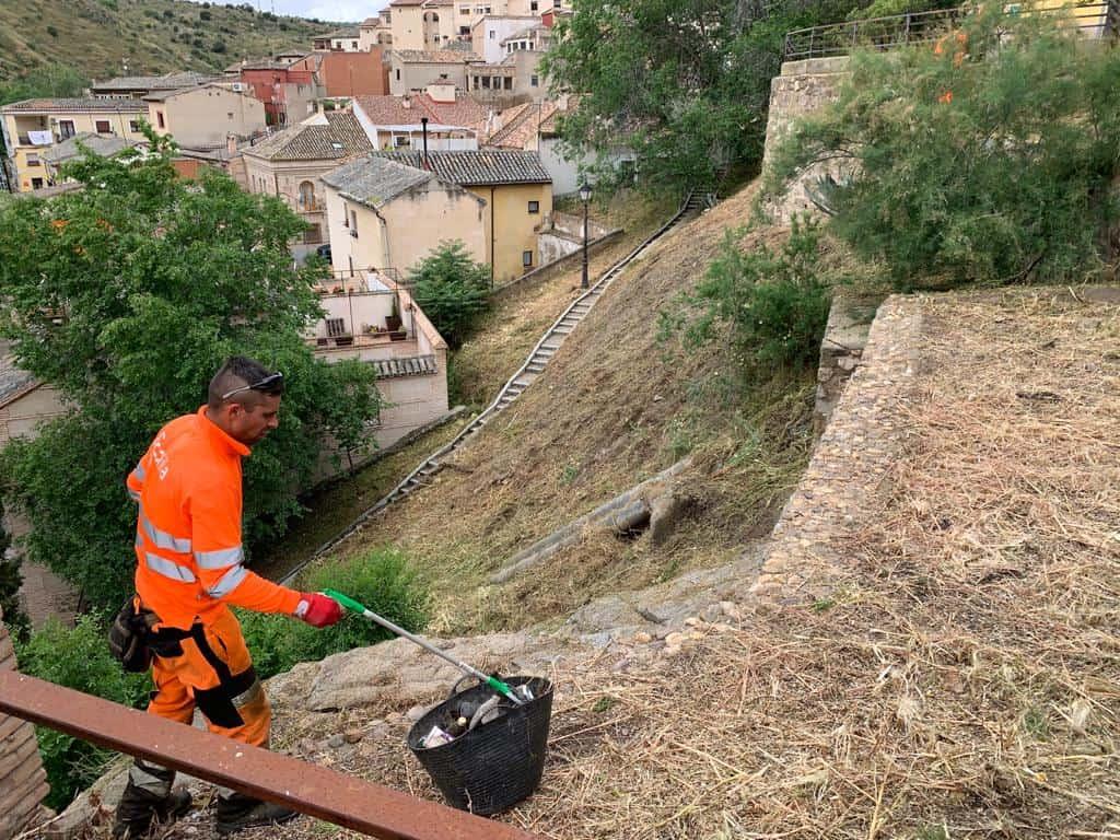 Toledo aprueba la clasificación de ofertas del servicio de desbroce, con un presupuesto de 256.520 euros