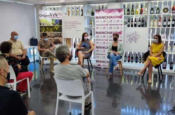 Apuesta regional por el enoturismo y prevé la certificación de las 'Rutas del Vino' de las DO Méntrida y Uclés para los próximos meses
